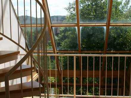 Vermietetes Einfamilienhaus in konsequent ökologischer Bauweise mit sehr guter Rendite