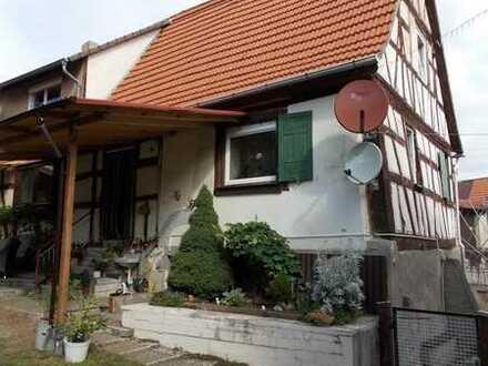 Saniertes historisches Fachwerk-Häuschen in zentr. Lage von Mingolsheim