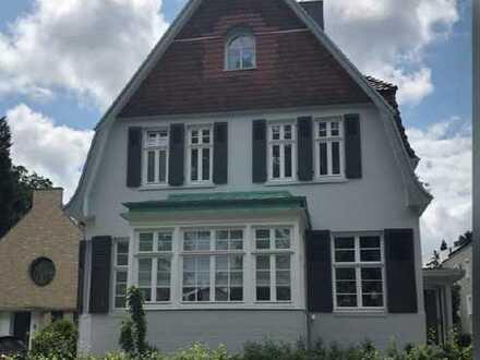 Traumhafte Altbau Wohnung im Hochparterre am Bürgerpark!