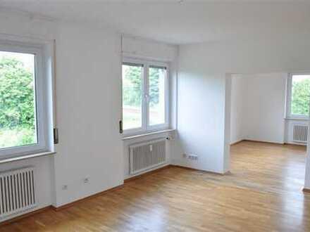Helle 3 Zimmerwohnung in ruhigem Mehrfamilienhaus