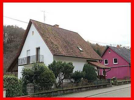 Wohnhaus mit schönem Grundstück