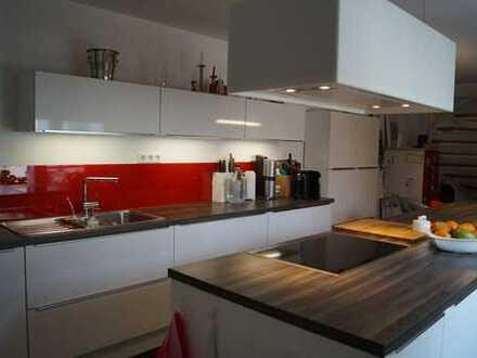 RESERVIERT Einfamilienhaus mit Einliegerwohnung