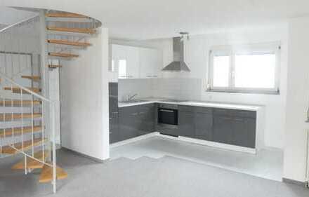 Traumhafte 2,5 Zimmer Wohnung mit ausgebautem Dachgeschoss
