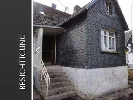 Bauernhaus mit Stall Scheune und großem Grundstück !
