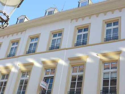 Repräsentative Räume im Stilaltbau mit hohen Decken direkt an der Fußgängerzone in S-Bahnnähe!.