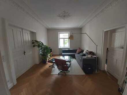 Denkmalschutz, Altbau, 2.OG, 4 Zimmer, Wohnküche, Balkon, EBK, Altschwabing, nähe Nikolaiplatz