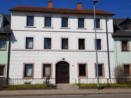 Schöne 2-Raum-Wohnung (36m2) Einbauküche & möbliert in Rochlitz