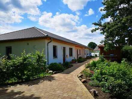Erstbezug mit Terrasse und Garten: 3-Zimmer-Wohnung inmitten der Natur