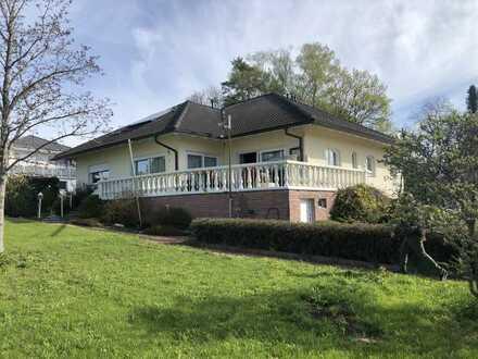 Villa in Traumlage von Wart mit 1500 qm Grundstück, Blick Schwäbische Alb
