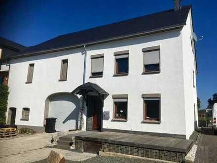 Naturliebhaber aufgepasst! Modernisiertes Wohnhaus mit viel drumrum in Heidenburg