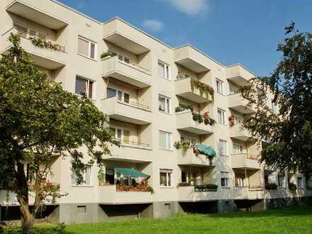 Großzügige 2,5 Zimmer in sanierter Wohnung im grünen Staaken