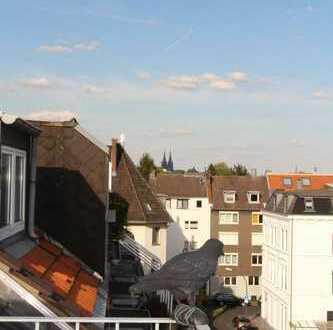 Exklusive 2-Zimmer Maisonette Wohnung mit Domblick in Köln-Lindenthal