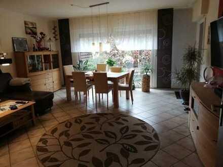Gepflegte 3,5-Zimmer-Hochparterre-Wohnung mit Terrasse und Gartenanteil in Herdecke Westende