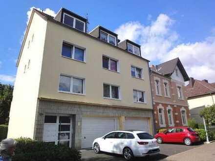 Gut geschnittene 5-Zimmer-Wohnung mit 2 Balkonen im 1. Obergeschoss, in infrastrukturell guter Lage!