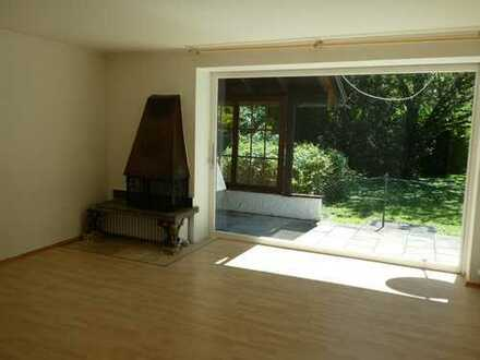 Schöne zwei Zimmer Wohnung in Berg OT Sibichhausen/Starnberger See