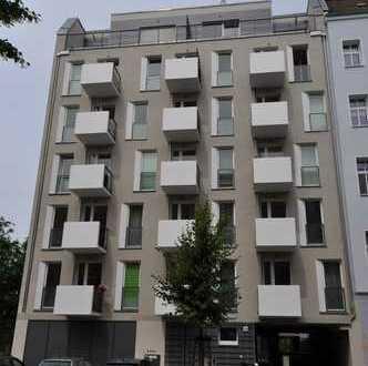Möblierte helle Single-/Pärchen-Wohnung mit Balkon in Top-Kiezlage! (furnished apartment)
