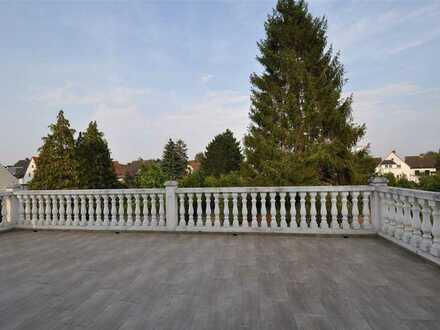 ***elegante, modernisierte Villa in zentraler Lage mit ELW***