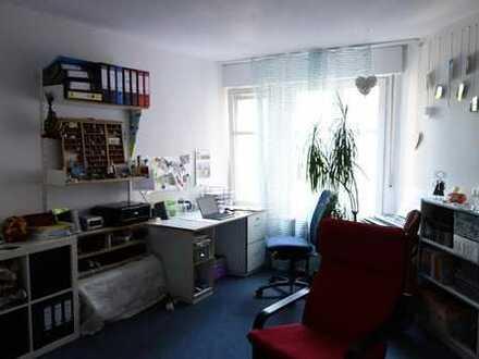 möbliertes, ruhiges 18qm WG-Zimmer in Weststadt