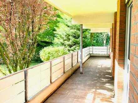 *Schöne vier Zimmer Eigentumswohnung*Großer Balkon* Garage