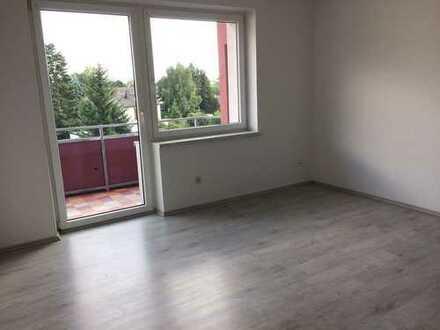Renovierte 2 Zimmer Wohnung - Balkon, neue Fenster, WDVS -