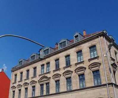 Sanierter Jugendstil im Zentrum von Fürth - mit Einbauküche und Balkon !
