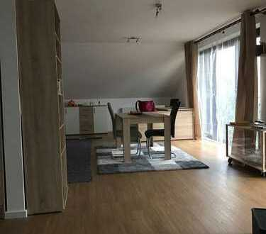Helle, geräumige ein Zimmer Wohnung im Rhein-Erft-Kreis, Bergheim