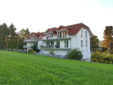 Gepflegte 3,5-Zimmer-Dachgeschosswohnung mit 2 Balkonen, Aufzug, Tiefgarage und vielen Extras