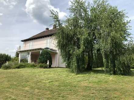 HösbacH-OT: Freist. EFH mit perfektem Grundstück (ca. 1250 m²) nur sechs Autominuten bis zur BAB A 3
