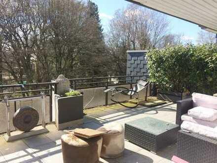 Penthouse mit großzügiger Sonnenterrasse in gepflegter Parkanlage Marienburg -Makleralleinauftrag