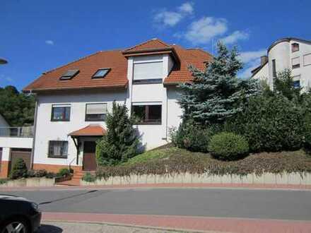 Große 3-Zi-Wohnung mit Garage