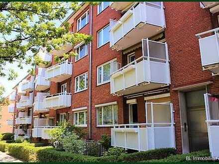 2 1/2 Zimmer renovierungsbedürftige EG-Wohnung mit Balkon. Zentrale u ruhige, grüne Wohnlage in Hrbg