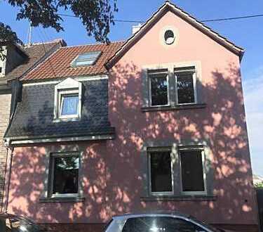 Schönes Haus mit fünf Zimmern in Ludwigshafen am Rhein, Edigheim