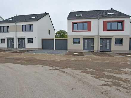 Neubau Erstbezug - Gehobene Doppelhaushälften mit moderner Ausstattung und Garten in toller Wohnlage