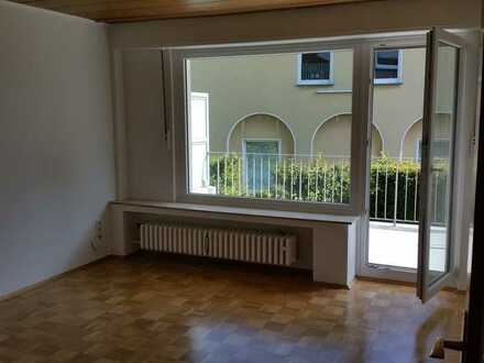 Ruhige 4 Zimmer-Wohnung mit Balkon in Bochum/Stadtnähe