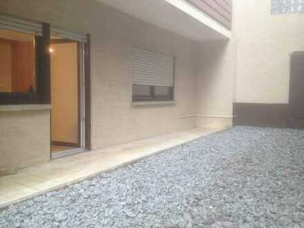Renovierte 1-Zimmer-Wohnung mit Terrasse in Dossenheim