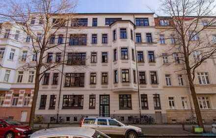 ab 01.03.2020 - 3-Zimmer-Wohnung mit Balkon, 2 Bäder mit Marmorfliesen, Badewanne, Dusche, Parkett