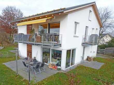 Moderne 4-Zimmer-Galeriewohnung in idyllischer Ortsrandlage von Feldafing-Wieling