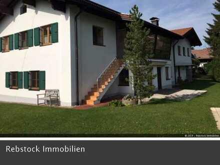 Gepflegte 4-Zi.-Mietwhg., Terrasse, Marken-EBK, FB-Hz., Rettenberg