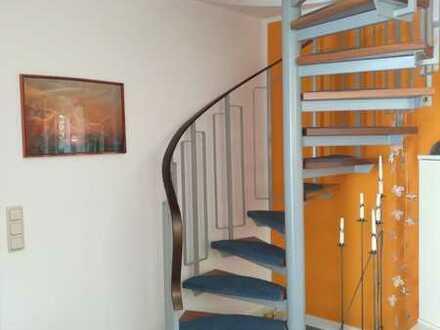 Gepflegte 3-Raum-Maisonette-Wohnung mit Balkon und Einbauküche in Wörrstadt