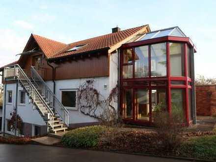 3 Familienhaus in ruhiger, zentraler Lage, Dachterrasse, toller Wintergarten, Garagen, EBK, Sauna!