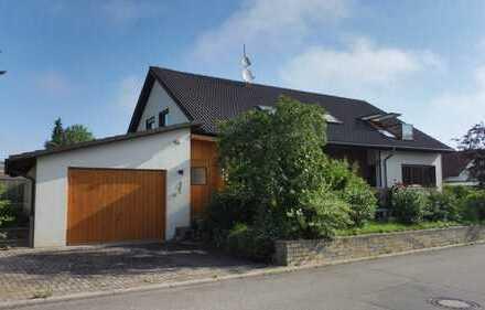 Ein- oder Zweifamilienhaus in guter Lage in Seebronn