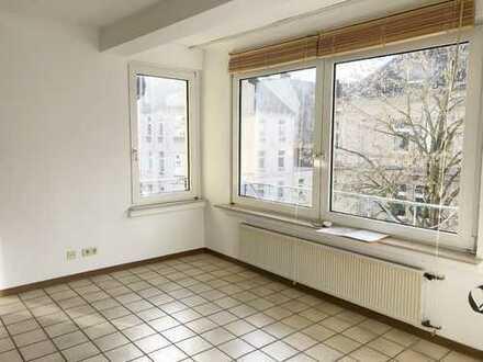 ***KREUZVIERTEL-Redtenbacherstr-Gepflegtes Apartment mit Einbauküche, Fliesen & Duschbad***