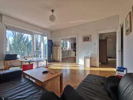 Godelsberg - Altbau - 5 Zimmer im 1. OG mit Balkon