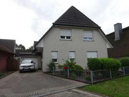"""Teilunterkellertes """"neuwertiges"""" Einfamilienhaus mit Garage nahe der Weser sucht neue Familie"""