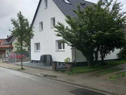 Schönes Haus mit 8 Zimmern in Karlsruhe (Kreis), Linkenheim-Hochstetten