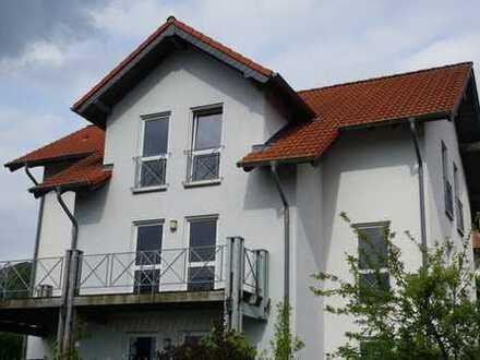 Gepflegte 160qm Wohnung mit Garten und Balkon sowie Einbauküche in Hillesheim