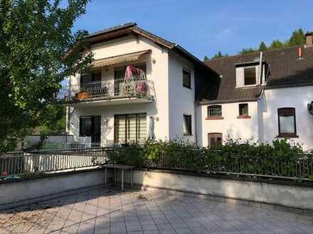 Overath *** - 4-Parteienhaus + Gewerbeeinheit + Doppelgarage + Garten - **