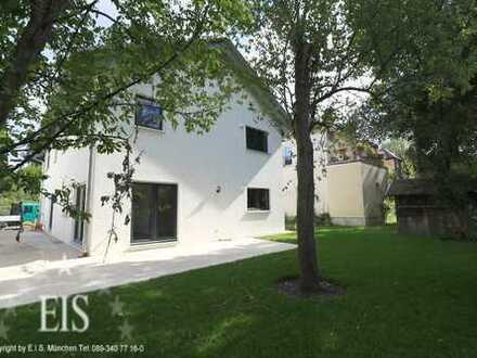 4 Zim.-DHH mit Galerie in PASING * Neubau, Garten, Terrasse & in ruhiger Lage *