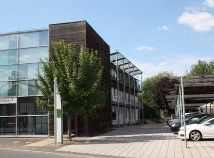 4,5 % Rendite - Neuwertige 2 Zi. Studio-Wohnung mit Balkon - Nähe Innenstadt