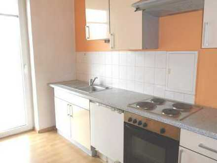 2 Zimmer Wohnung mit Balkon und Einbauküche in Ruppertsgrün zu vermieten !